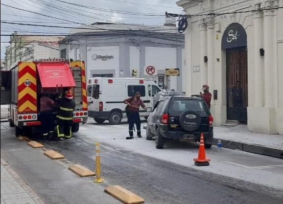 Auto incendiado 2