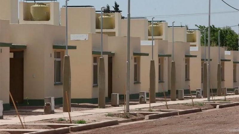 ernández presenta un programa de créditos para refacción y construcción de viviendas
