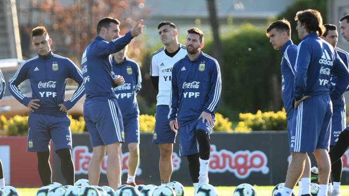 Scaloni mantiene una duda para el debut en la Copa América