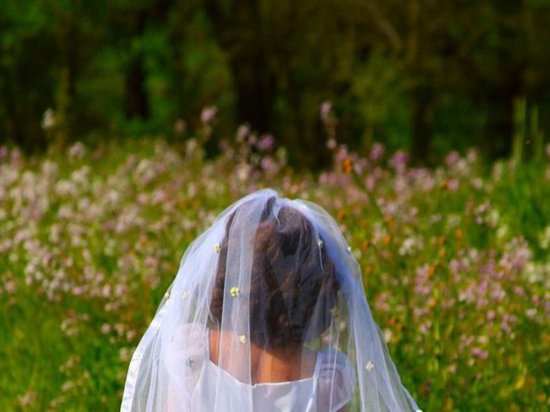 Mujer se divorcia de su violador tras 11 años juntos