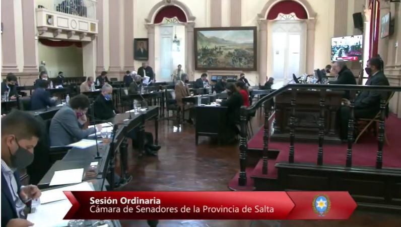 Con sueldos congelados, Senadores anunció que no habrá receso legislativo