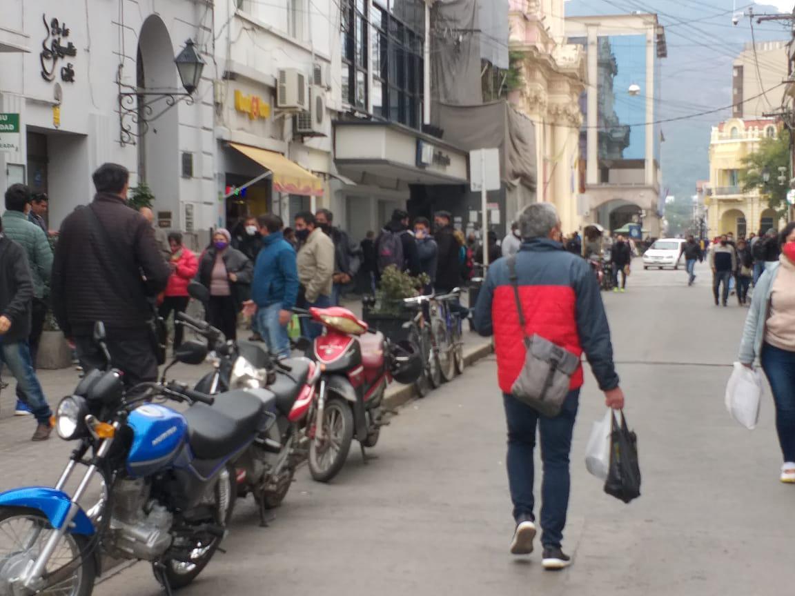 centro ciudad gente distanciamiento actividad comercial horario españa fila