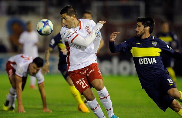 Sin merecerlo, Boca está derrotando a Huracán en Parque de los Patricios