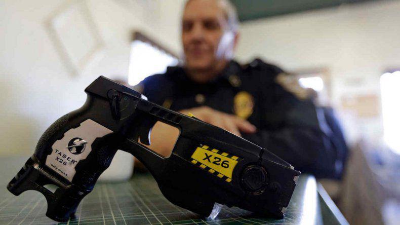 pistola taser 2