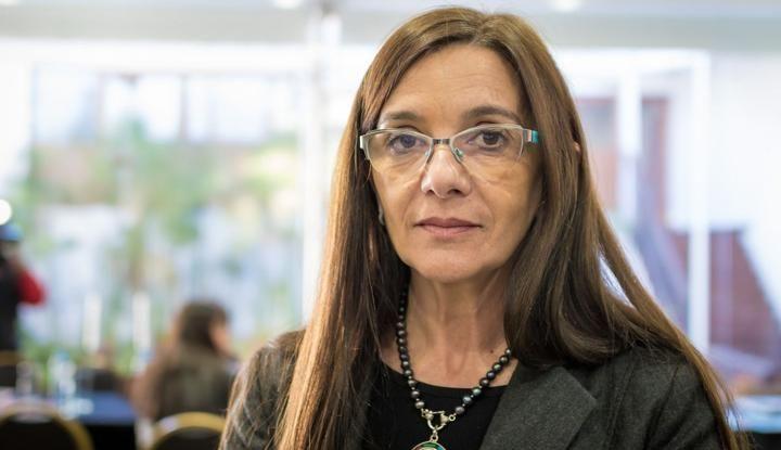 Berruezo sigue en el cargo de Ministra de Educación