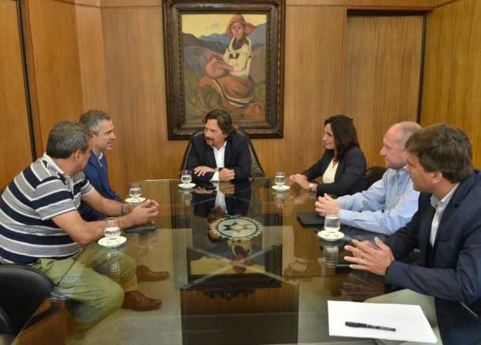 Anuncian los nuevos gerentes del Hospital San Bernardo, Oñativia y Materno Infantil