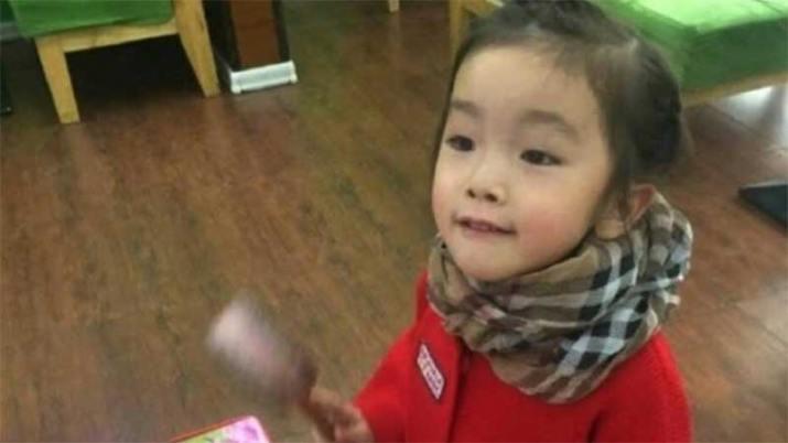Maestra asfixia a niña, le tapó la boca con cinta adhesiva