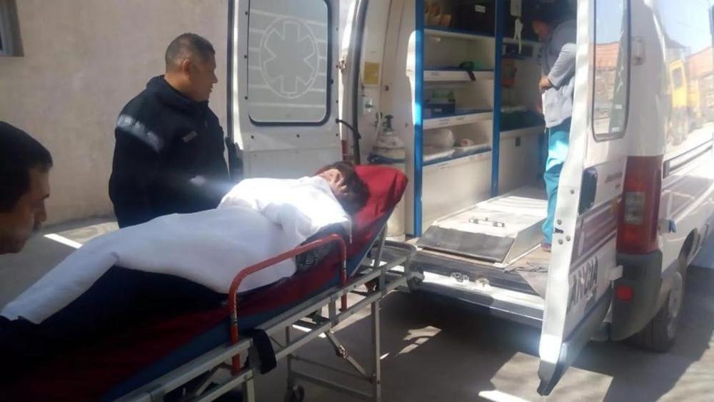 Rita Carreras trasladada en ambulancia2
