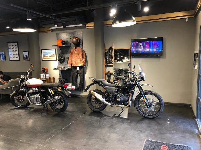royal - concesionario de motos (8)