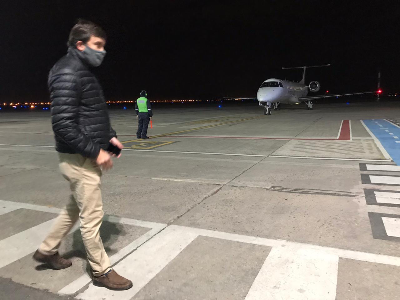 avion aeropuerto operativo cierre