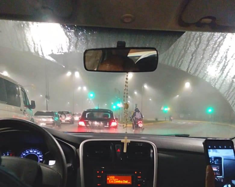 Salta amaneció cubierta de neblina: precaución al manejar