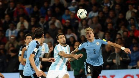Sin Messi, Argentina cae en La Paz