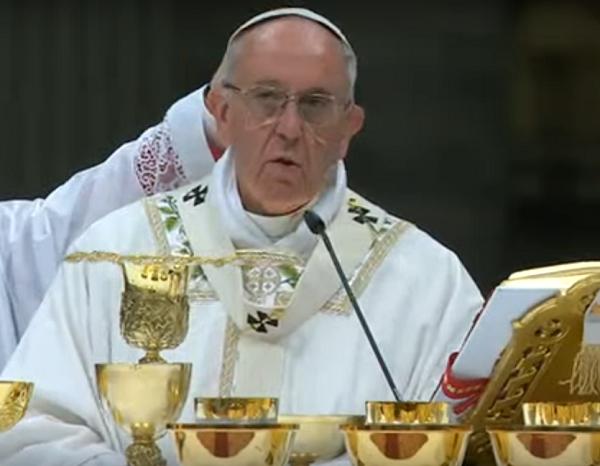 Papa Francisco lamenta violencia mundial e insta a construir puentes