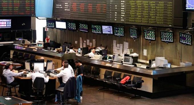 Bolsa argentina se desploma por problema político de Brasil