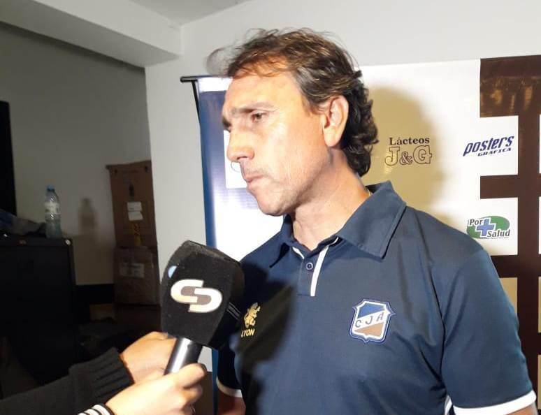 Cuadrado dejó de ser el DT de Juventud Antoniana. En su lugar asumirá Ricardo Gómez