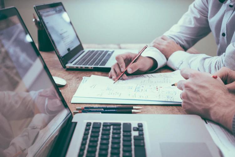 Cuentas contador negocio empresas emprendedores